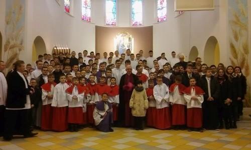 Święcenia diakonatu w Połomi – spotkanie Arcybiskupa z ministrantami dekanatu