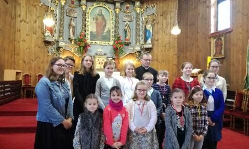 Obrzęd nałożenia medalików Dzieciom Maryi