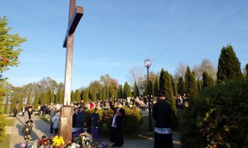 Nabożeństwo i Procesja na Cmentarz
